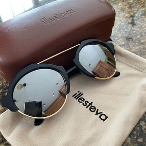 ILLESTEVA- Worn once! Perfect condition